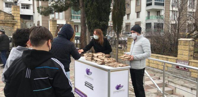 Safranbolu Belediyesi'nden Şehitleri İçin Simit İkramı.